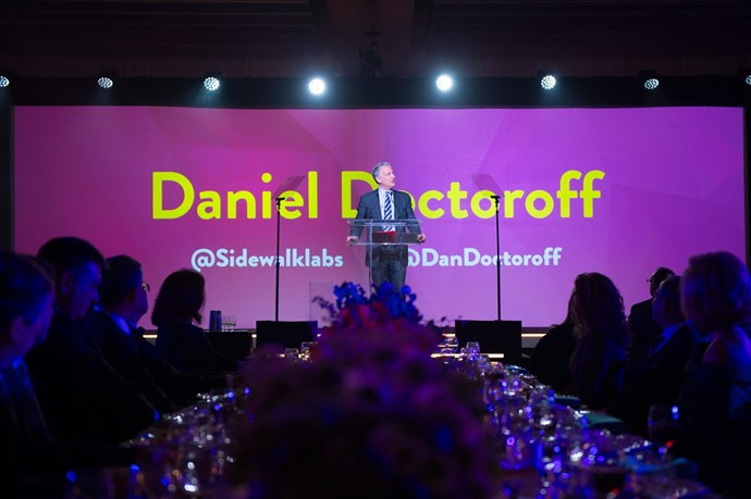 Daniel Doctoroff speaks to the dinner crowd.